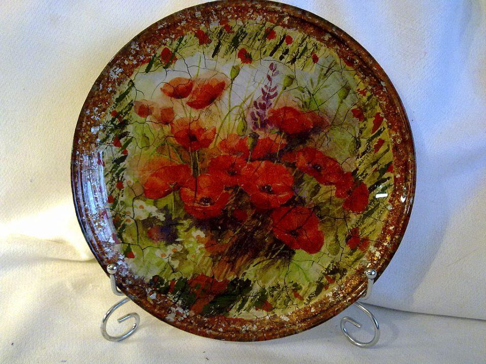 украсить тарелки