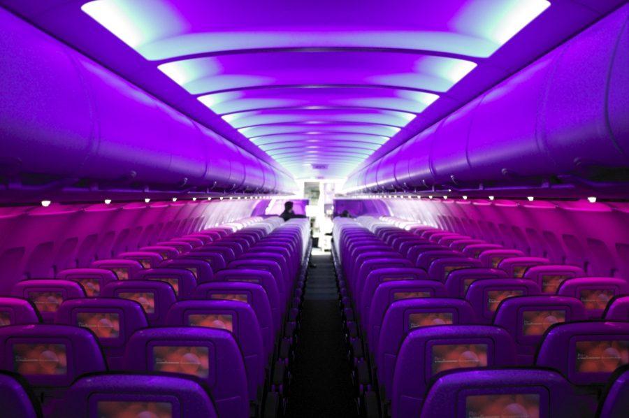 подсветка в салоне самолета авиакомпании Virgin America