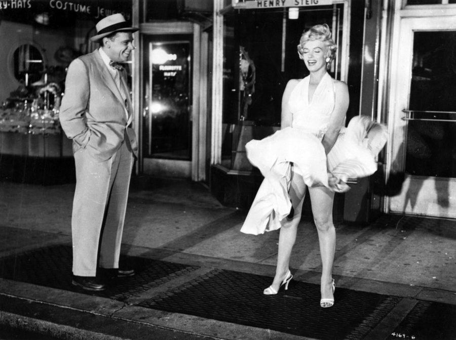 Мерилин Монро поднявшаяся юбка