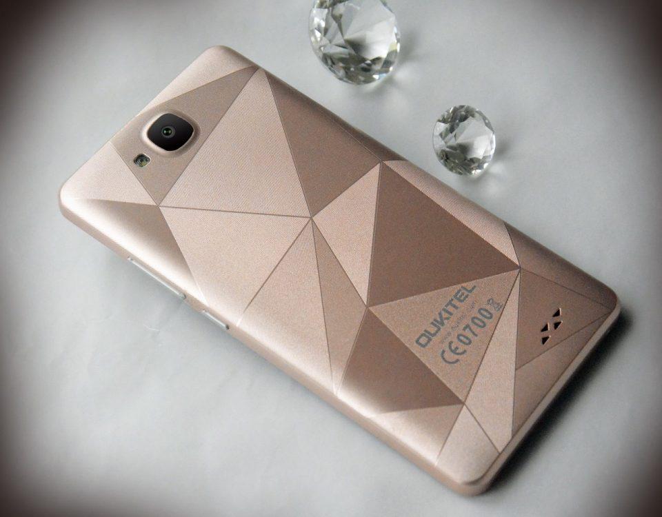 Oukitel C3 самый дешевый смартфон