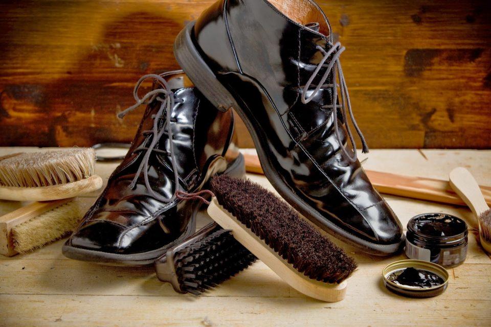 Восстановление кожаной обуви