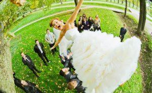 Топ-10 необычных свадебных традиций