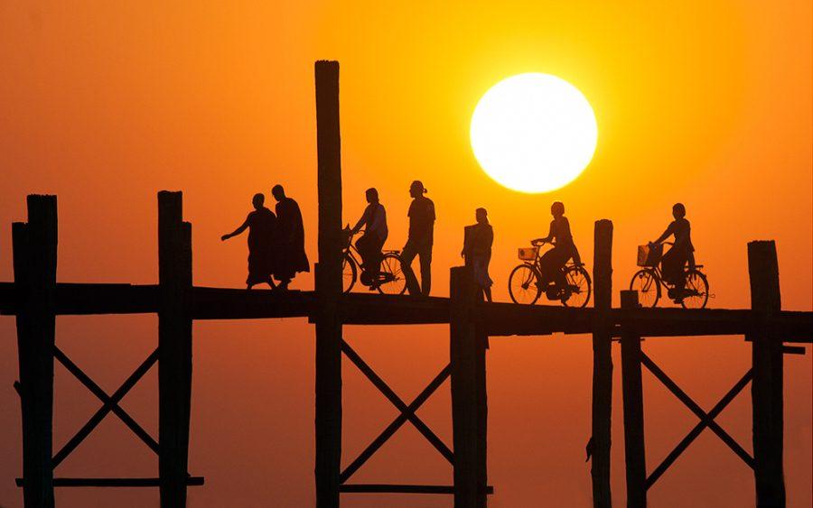 закаты. Мост У-Бейн. Мьянма