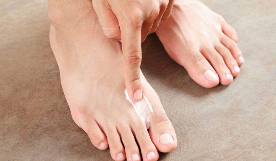 Как избавиться от потливости ног?