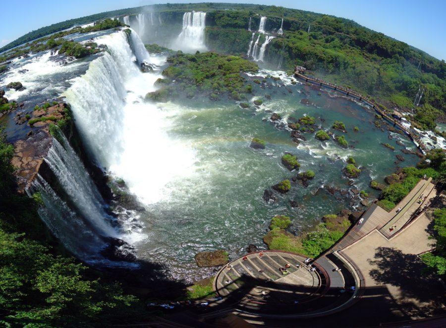 Водопад Игуасу в Бразилии и Аргентине