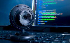 Зачем закрывать веб-камеру?