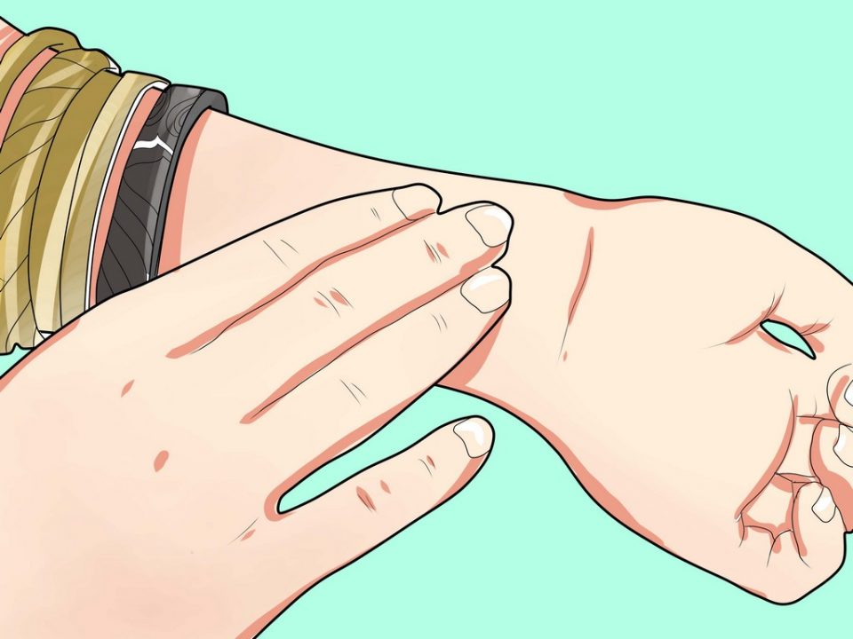 Как наносить духи, чтобы запах держался дольше