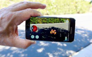 Как поймать покемона в Pokemon GO?