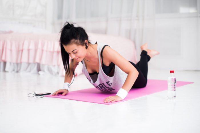 Упражнения для правильной осанки, будь здоров и красив