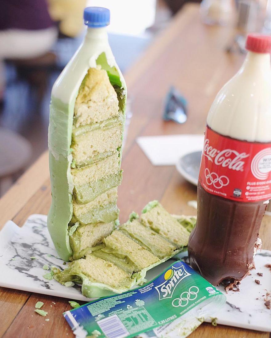 Необычные торты в виде Coca-Cola