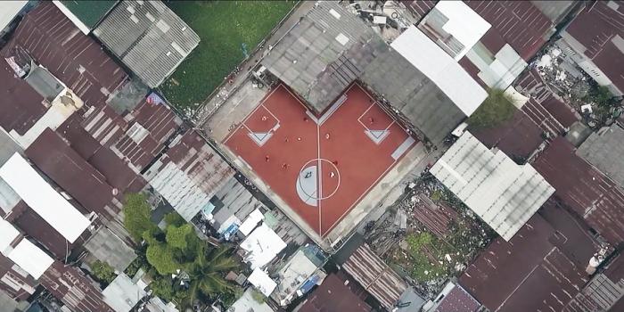 Первое в мире непрямоугольное футбольное поле в Таиланде