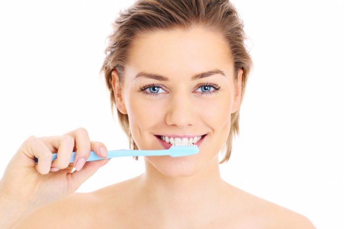 Чистка зубов: чему не учит реклама
