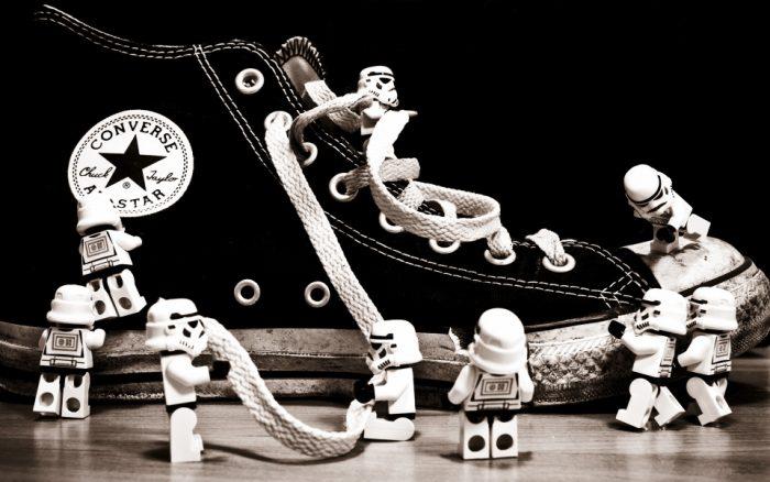 Как быстро завязать шнурки на кроссовках и другой обуви: схема