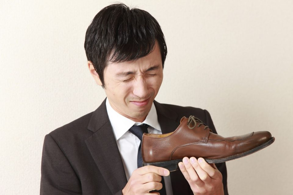 неприятный запах ног и обуви