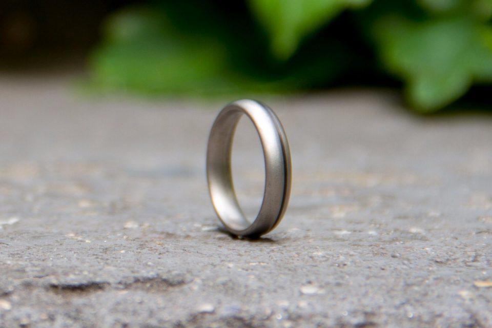 нашел кольцо