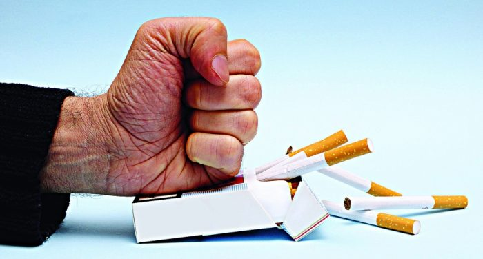 Обычные продукты, которые легко помогут бросить курить