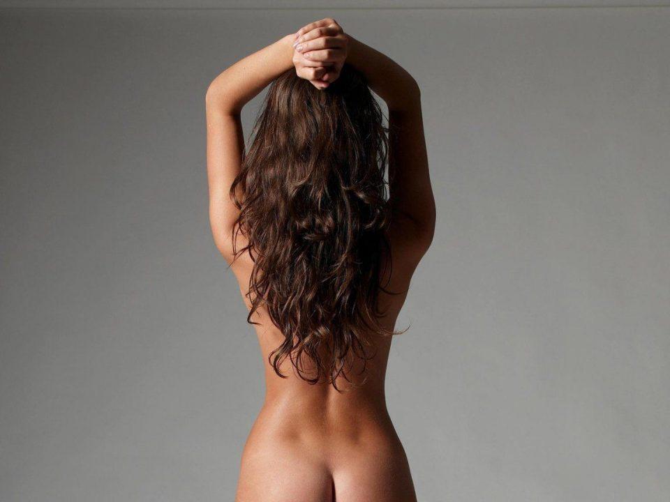 ямочки на спине