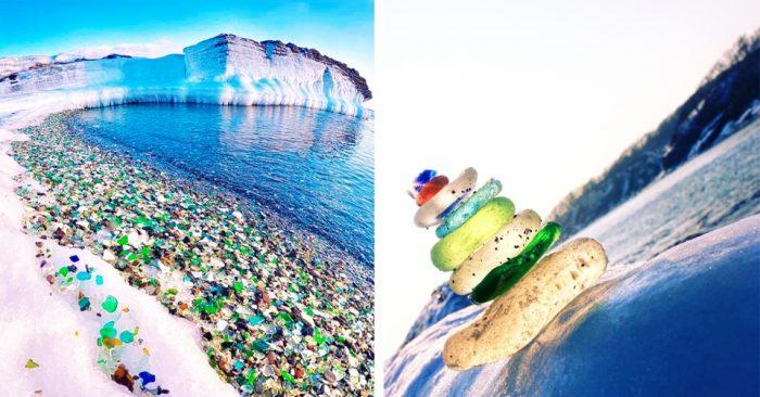 Пляж Стеклянной бухты в Уссурийском заливе, стекло из бутылок обработанное природой
