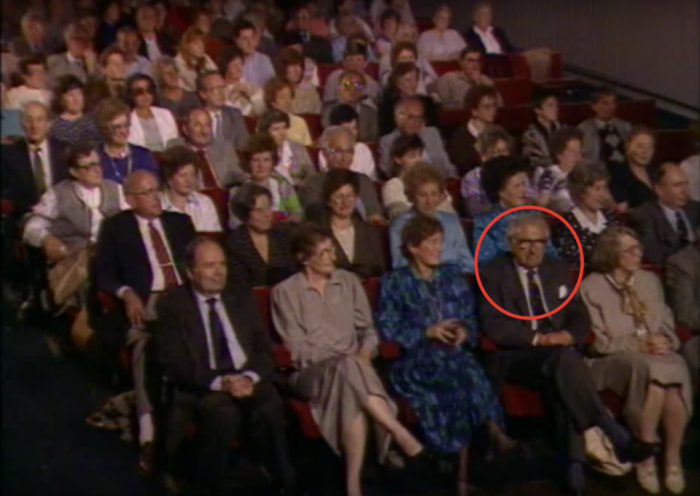 Человек, который во время Холокоста спас 669 детей, и не подозревал, что они в зале