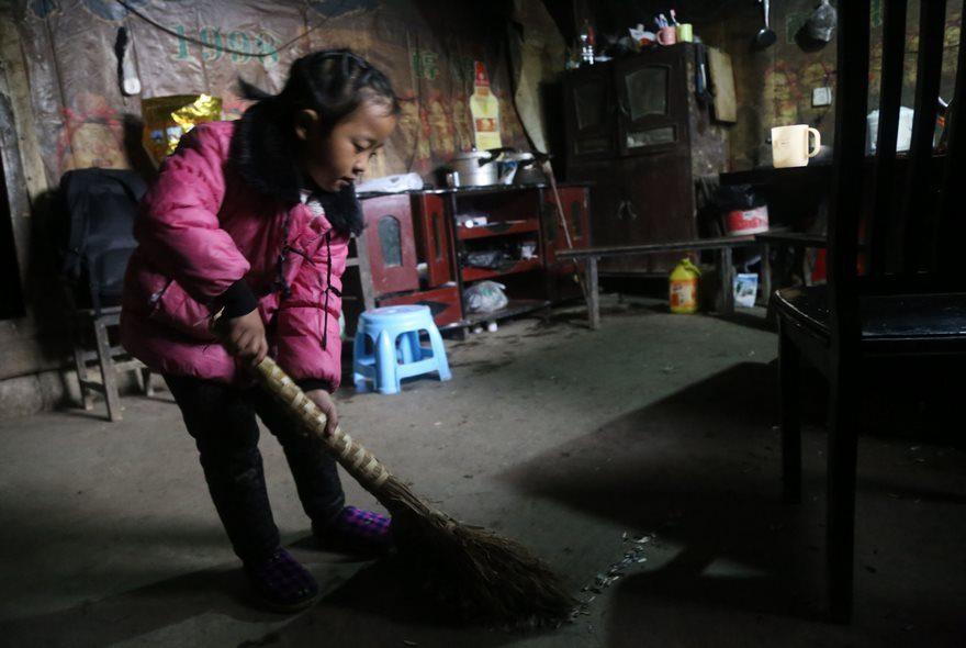 Пятилетняя девочка, брошенная матерью
